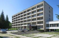 Продажа гостиницы 7008 м на земельном участке 5,67 га в Сосноом бору. Улица Новая Заря 51а, р-н Калининский, 7 008,0кв.м.