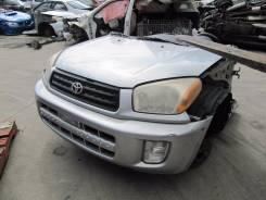 Передняя часть автомобиля. Toyota RAV4