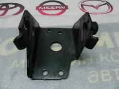 Кронштейн опоры двигателя Nissan Murano