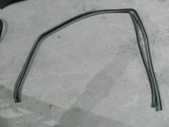 Уплотнитель проема передней левой двери Тoyota Camry ACV40 2GRFE