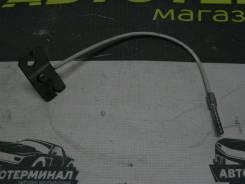 Трос ручника центральный Мазда 3 BK3P