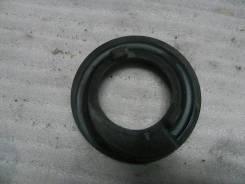 Прокладка пружины задней правой нижняя RAV-4