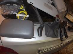 Консоль центральная. Toyota Avensis, CT220, AZT220L, ZZT221, ZZT220, ZZT221L, AZT220, AT220, CDT220, AT221 Двигатели: 4AFE, 2CTE, 1ZZFE, 1CDFTV, 2CT...