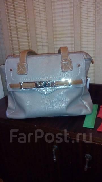4515f4115eb4 Продам сумку женскую - Аксессуары и бижутерия в Находке