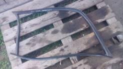 Уплотнитель бокового стекла кузовного. Mercedes-Benz E-Class, W124