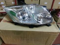 Фара основная правая Toyota Auris 150   8113012A30