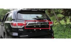 Накладка на дверь багажника. Toyota Highlander, GSU55L, GVU58, ASU50, GSU50, GSU55, ASU50L Двигатели: 2GRFE, 2GRFXE, 1ARFE. Под заказ