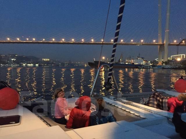 """Маргарита"" VIP-катамаран-яхта-катер. Морские прогулки под парусом!. 25 человек, 19км/ч"