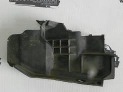 Накладка под лобовое стекло правая Mitsubishi Lancer X CY2A 4B10 11, передняя