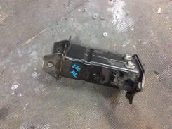 Кронштейн усилителя бампера. Mercedes-Benz S-Class, W220