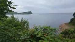 Продаю Участок на берегу моря. 800 кв.м., собственность, электричество, вода, от частного лица (собственник). Фото участка
