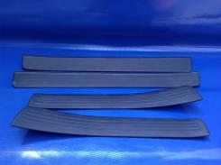 Накладка на порог. Toyota Caldina, ST215, AT211, ST210G, ST210, CT216 Двигатели: 7AFE, 3SGTE, 3CTE, 3SGE, 3SFE