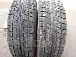 Bridgestone Blizzak Revo2. Зимние, без шипов, 2012 год, износ: 30%, 2 шт