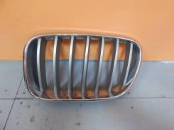 Решётка радиатора BMW X3, левая