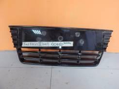 Решётка в бампер центральная Ford Focus 3