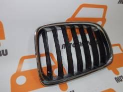 Решётка радиатора BMW X1, левая