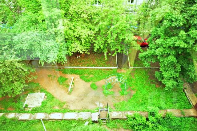 4-комнатная, проспект Блюхера 1в. Слобода, агентство, 62кв.м. Вид из окна днём