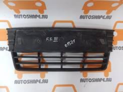 Решётка в передний бампер центральная Ford Focus 3