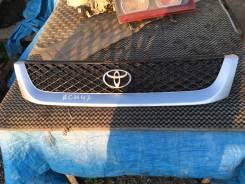 Решетка радиатора. Toyota Regius, RCH47