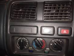Кнопка включения обогрева. Nissan
