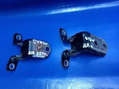 Крепление боковой двери. Mazda Demio, DY3R, DY5W, DY3W, DY5R