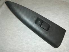 Кнопка стеклоподъемника. Nissan Note, E11E, E11