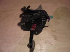 Педаль тормоза 2010- 2,5 АКПП Renault Latitude