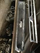 Решетка радиатора. Nissan Bluebird, U12