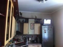 3-комнатная, улица Комсомольская 7. Первая речка, частное лицо, 89 кв.м. Кухня