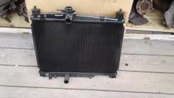 Радиатор охлаждения двигателя. Toyota Yaris, SCP10, SCP12 Двигатели: 2SZFE, 1SZFE