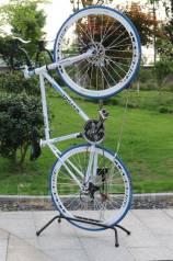 Подставки для велосипеда.