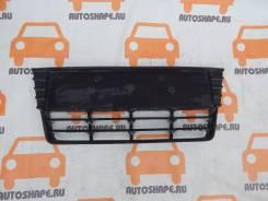 Решётка в бампера центральная Ford Focus 3