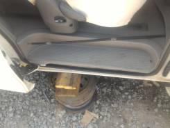 Порог пластиковый. Toyota Estima, ACR40W Двигатель 2AZFE