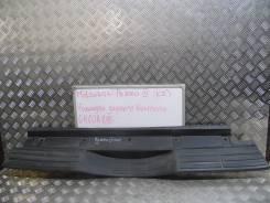 Накладка на бампер. Mitsubishi Pajero, V87W