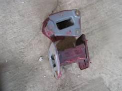 Кронштейн крепления бампера. Nissan Tiida
