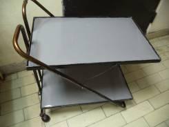 Столы сервировочные.