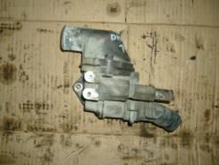 Корпус термостата. Toyota Dyna, BU88 Двигатель 14B