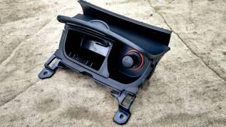 Пепельница. Mazda RX-8, SE3P Двигатель 13BMSP