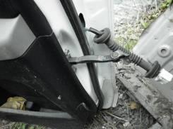 Ограничитель двери. Toyota Vitz, SCP90 Двигатель 2SZFE