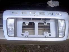 Накладка на дверь багажника. Nissan Serena, TC24