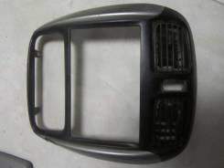 Дефлектор радиатора. Ford Festiva Mazda Demio, DW3W, DW5W Двигатели: B5ME, B5E