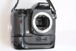 Samsung GX-20 Kit. 10 - 14.9 Мп, зум: без зума