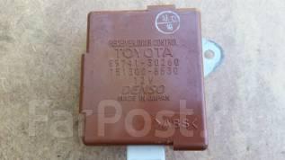 Блок управления дверями. Toyota Crown, JKS175, UZS173, GS171, UZS171, JZS171, UZS175, JZS179, JZS177, JZS175, JZS173 Toyota Crown Majesta, JZS179, UZS...