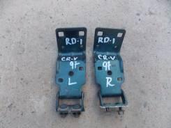 Крепление двери багажника. Honda CR-V, RD1