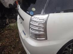 Стоп-сигнал. Toyota Wish, ZNE10, ZNE14