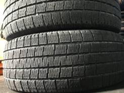 Pirelli. Зимние, без шипов, 2012 год, износ: 30%, 2 шт