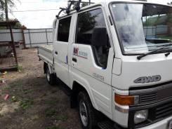 Toyota Hiace. Продам хороший грузовик 4WD пониженная. За наличные хороший торг, 2 400 куб. см., 1 500 кг.