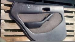 Обшивка двери. Toyota Vista, SV32