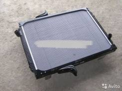 Радиатор охлаждения двигателя. Mercedes-Benz Vaneo