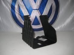 Облицовка АКБ VW, Audi, Skoda, Seat 1K0915335C. Volkswagen: Caddy, Passat, Eos, Jetta, Scirocco, Tiguan, Sharan, Passat CC, Touran, Golf, Beetle Seat...